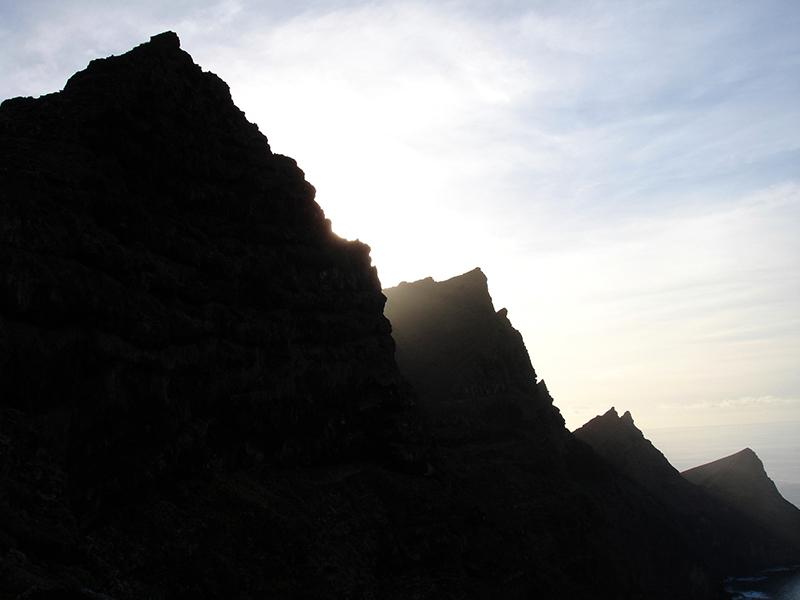 Ein schwarzer Fels